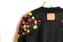 BOMBER-YACANA-BOSQUE-TROPICAL- noir - baby alpaga - fleurs