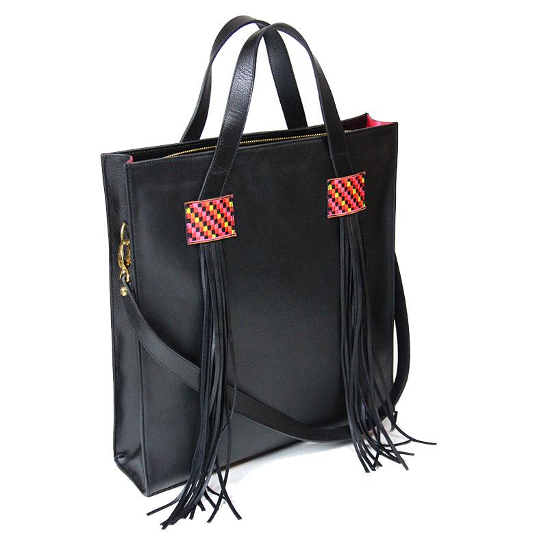 yacana paris - porte document - cuir- ordinateur - sac à main - noir - éthique - pérou - fait main - handmade - handbag - éthique - gypset -sac andino - glamour