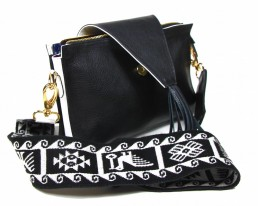yacana - paris- sac - cuenca - black - and - white - pochette